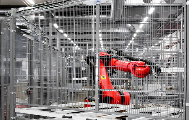 Troax guarding around a robot